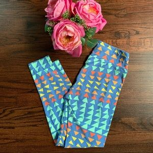 LuLaRoe One Size leggings in bright colors